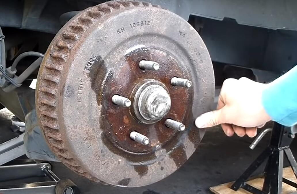 Change Rear Drum Brakes